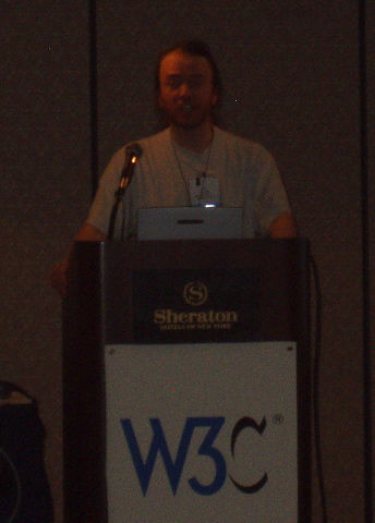 Liam Quin at WWW2004